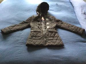 Jolie veste noire Taille 7/8 ans