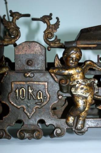 Balance ancienne et original en fer 1900
