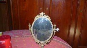 miroir sur pied en bronze et