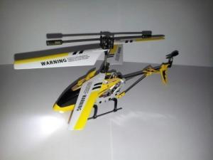 Hélicoptère télécommandé Syma Neuf