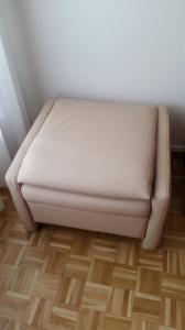 pouf en cuir transformable en fauteuil