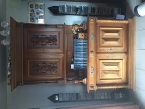 Magnifique vaisselier en bois ancien!