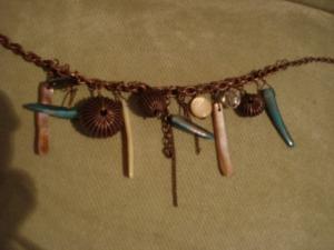 Bracelet brun avec perle en nacre