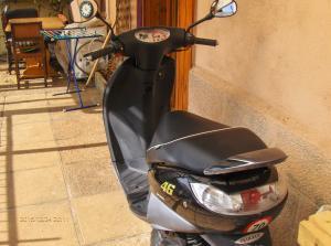 Qui Intéressé par mon scooter 50 cm3 Peugeot?