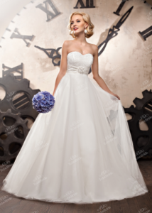 Robe de mariée décolletée ToBeBride
