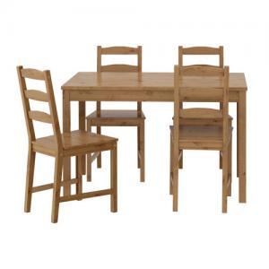 Table et 4 chaises, vernis effet anc