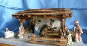 Crèche de Noël en bois brûlé