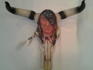 crâne de taureau avec visage de indien