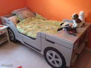 Lit jeep enfant