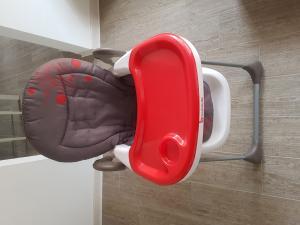 Chaise Haute Easy marque badabulle