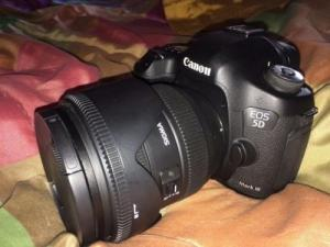 Canon 5D Mark 3 + Grip BG-E11 Canon