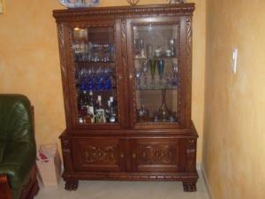 A vendre vitrine +meuble