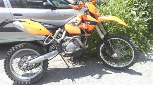A vendre a Fully VS. Super moto KTM 525 EXC