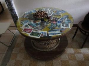 pièce unique, table de salon