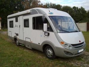 Recherche un Camping Car