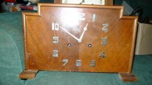 Magnifique Horloge de table