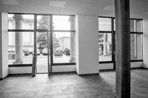 Surface commerciale/ arcadede87 m2