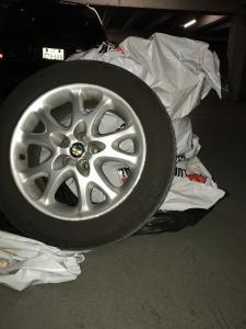 4 pneus sur jantes Alfa Roméo 147