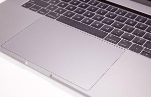 Apple MacBook Pro 15 avec Touch Bar, 2.9