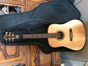 Guitare electoacoustique Kremona M10E