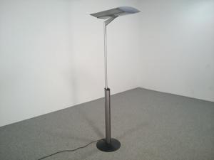 Lampes sur pied design Belux