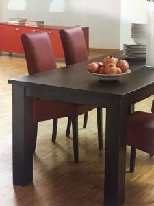 Table à manger couleur wenge