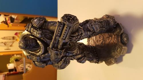 statue gears of war 1 boomer