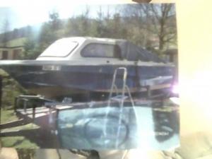 bateau de peche pour la traine ou poser