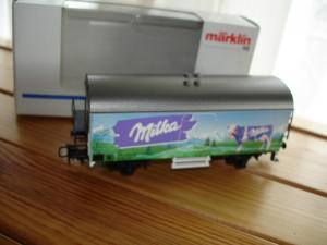 44176 Märklin HO wagon réfrigérer Milka (rare)