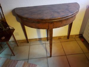Table demi-lune relookée