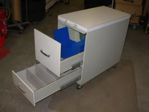 Meuble de bureau  tiroirs avec contre-poids