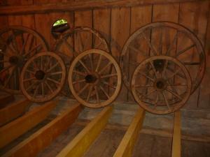 roues de char anciennes