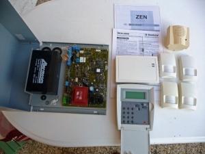Centrale de surveillance et d′alarme