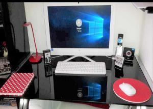Je vends Ordinateur / PC HP Tout-en-un - Pratiquement neuf
