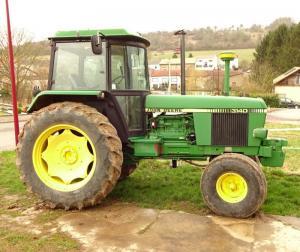 Tracteur John Deere 3140 100 chevaux