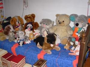 Peluches et poupées anciennes