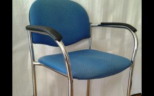 6 chaises très confortables très solides