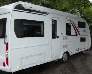 Caravane Bürstner Averso plus 510 TK (4-7 places)