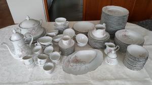 Vaisselle complète de 123 pièces