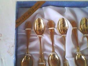 Coffre 6 cuillères à café en or 24 carat