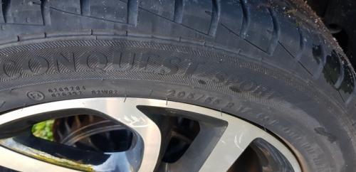 A vendre   4 pneus  205/55R17