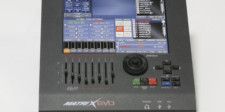 Matrix Evo 2 Workstation Midi, Mp3, Textes, Loops, Mix