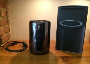 Apple Mac Pro Desktop 3.7 (mi-2015) Quad Core