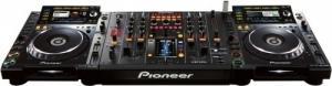 2x Pioneer CDJ 2000 & DJM 2000