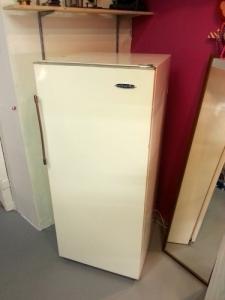 """Réfrigérateur de la marque """"Zil"""""""
