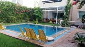 A vendre au  Maroc une villa+piscine pri