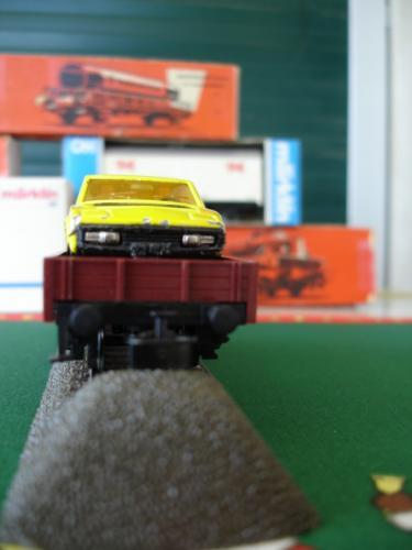 Märklin Ho 4423 wagon bord plat Kklm 505 DB avec automobile