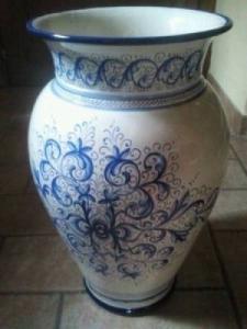 Vase peint à la main