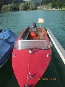 Bâteau de pêche a moteur 8 ch.