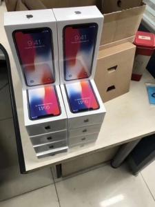 Apple iPhone X 64 Go -400euros